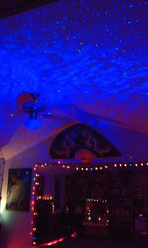 blisslights blue laser starfield projector display in well. Black Bedroom Furniture Sets. Home Design Ideas