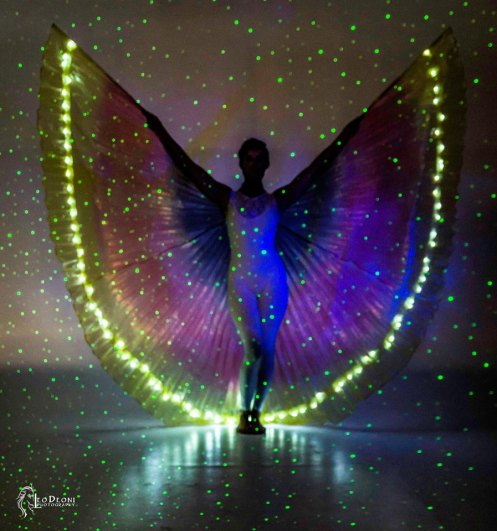 sarah in bl15 w-illuminated wings