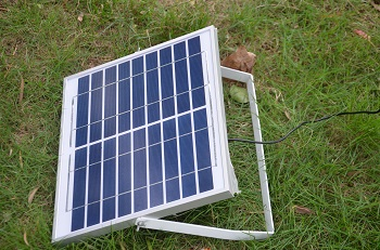 large solar panel w-battery